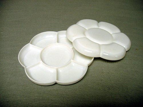 Small Plastic Blossom Palette w/ Lid by China Ke