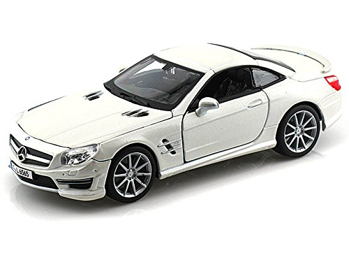 Bburago Mercedes-Benz SL65 AMG, Pearl White 21066 - 1/24 scale Diecast Model Toy Car