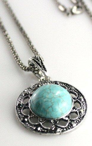 Turquoise Stone Medallion Chain ()