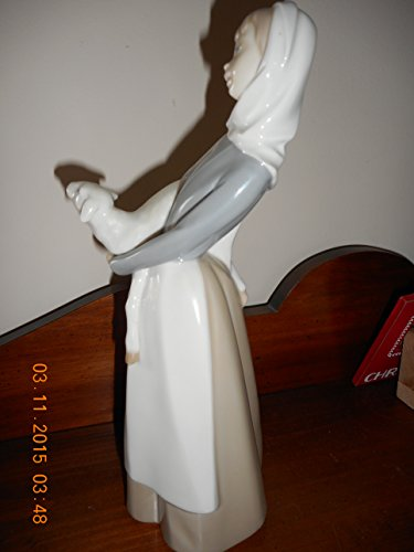 Lladro Girl with Lamb 01004584 4584 (Lladro Girl Lamb)