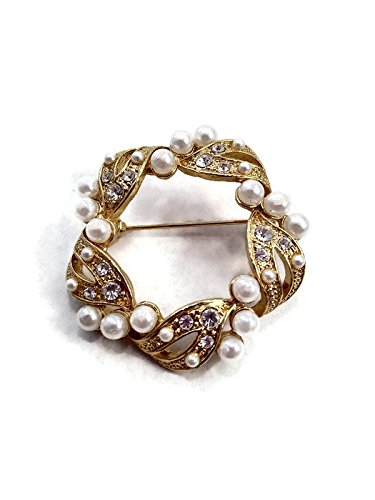 Vintage Wreath Brooch. Gold Tone with Pearls and Crystal Rhinestones. Signed AAI. Vintage Brooch. Gift for Her. (Signed Vintage Crystal)