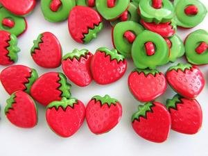 Kids Collection~ 20pc Red/Green Fruit Plastic Sewing Shank Button (Sb84-Strawberry) US SELLER SHIP FAST