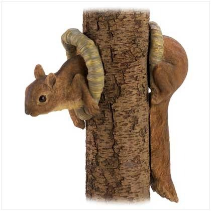 (Zingz and Thingz Woodland Squirrel Tree Decor)