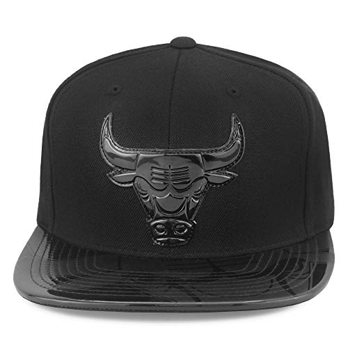 Mitchell & Ness Chicago Bulls Snapback Hat Black/Black Foil (Patent Leather)