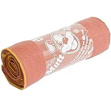 """YogaRat Mugzy's Mutt Towel: Awesome 100% Microfiber pet towel attracts but won't trap fur - 28"""" x 50"""""""