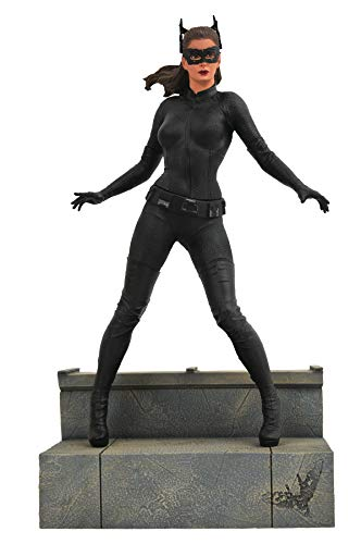 (DIAMOND SELECT TOYS DC Gallery: The Dark Knight Rises: Catwoman PVC Figure,)