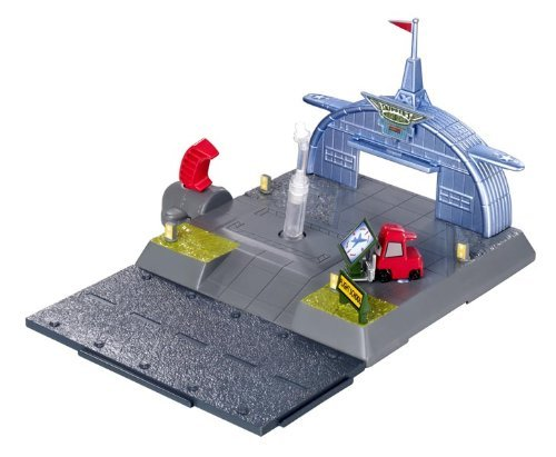 Disney Planes Shifters Skippers Playset