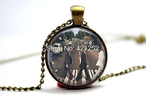 Pretty Lee 2015 Fashion The Beatles Abby Road Jewelry Necklace Glass Photo Cabochon Necklace Christmas gift