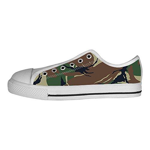 Chaussures De Toile De Camouflage Des Hommes Faits Sur Commande Les Lacets Dans Des Chaussures De Dessus De Toile Au-dessus Des Chaussures De Baskets.