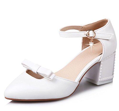 Cinturino Alla Caviglia Con Cinturino Alla Caviglia E Punta A Metà Dei Sandali Con Tacco Medio Bianco