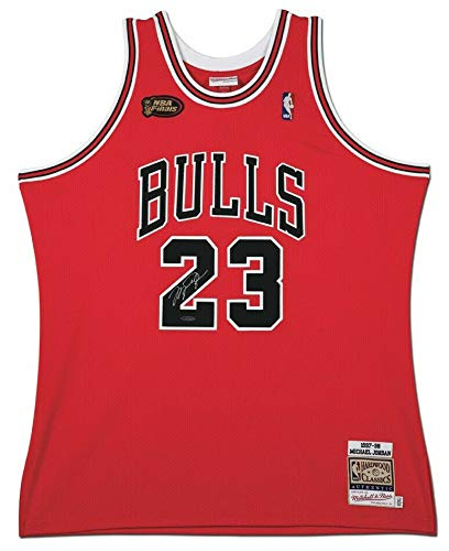 low priced e7eef 2f899 Amazon.com: MICHAEL JORDAN Autographed 1998 Chicago Bulls ...