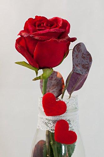 Romántica rosa roja con 2 corazones y cinta de encaje - arreglo floral con una flor artificial para el día de San Valentín, día de la madre: Amazon.es: ...