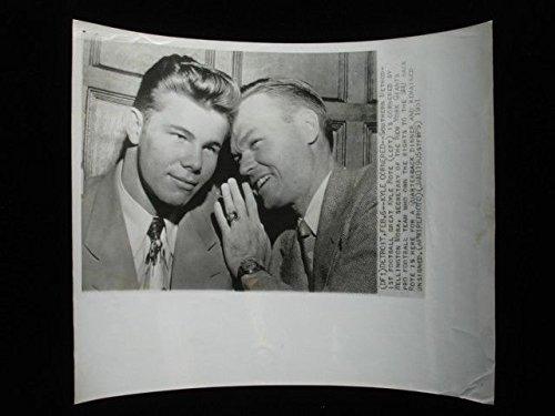 1951 Kyle Rote & Wellington Mara Original Wire Photograph - 8