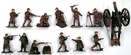 Russian WWII Infantry Figure Playset (12 Figures w/Weapons & Cannon) (Bagged) 1/32 Playsets