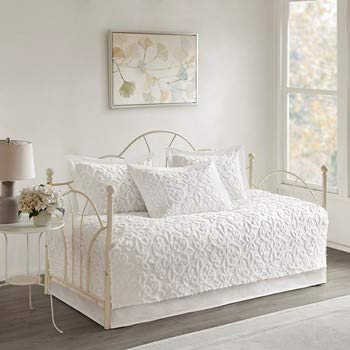 (Madison Park Sabrina 5 Piece Tufted Cotton Chenille Quilt Set Coverlet Bedding, Day Size, White)