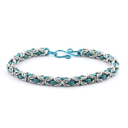 - Weave Got Maille 2-Color Byzantine Chain Maille Bracelet Kit, Pacific Blue and Silver