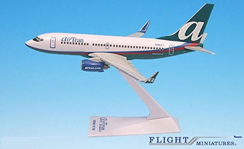 airtran-04-cur-boeing-737-700-airplane-miniature-model-plastic-snap-fit-1200-part-abo-73770h-021