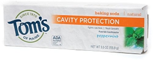 (Tom's of Maine Cavity Protection with Baking Soda Natural FluorideToothpaste, Peppermint 5.5 oz (Pack of 9) )