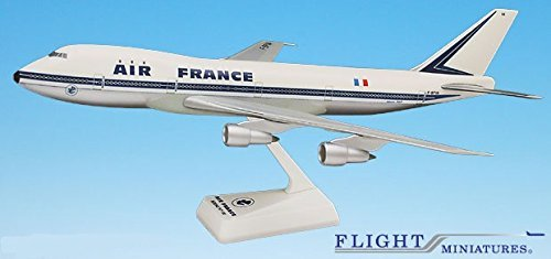 Air France (60-77) 747-100 Airplane Miniature Model Plastic Snap Fit 1:200 Part# (Wingspan Air)