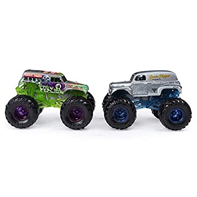 Monster Jam 2020 Color Change 1:64 Scale 2-Pack, Grave Diggers: Toys & Games