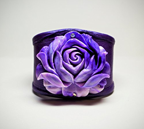 Women's Handmade Renaissance Purple Giant Clam Carved Flower Leather Cuff Bracelet