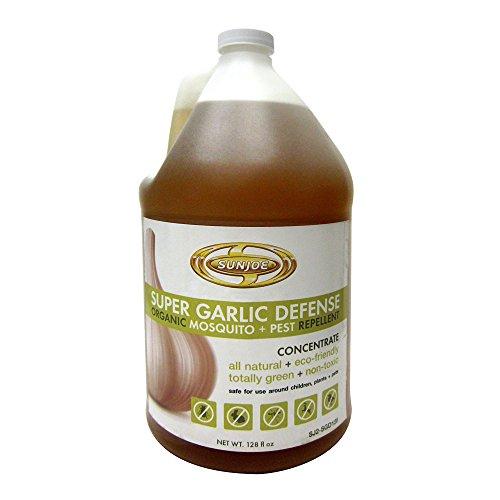 Snow Joe SJ2-SGD128 Super Garlic Defense Organic Mosquito and Pest Repellent, 128 oz. - Garlic Barrier Insect Repellent