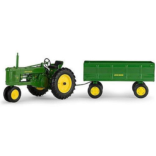 John Deere 50 Tractor with Flarebox Wagon (1:16 Scale) by ERTL