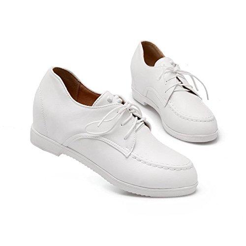 AllhqFashion Damen Rein PU Mittler Absatz Rund Zehe Schnüren Pumps Schuhe Weiß
