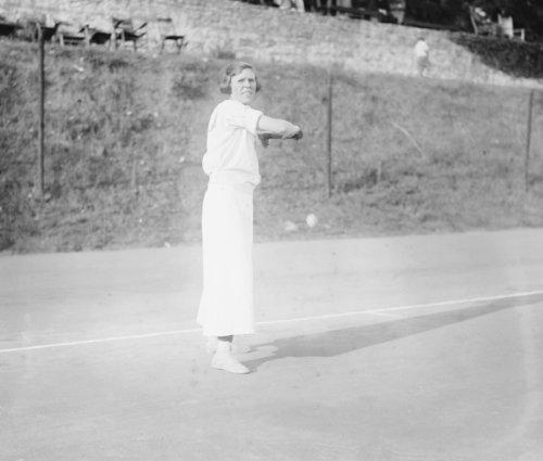 1920 photo Miss Baker (Louise) Vintage Black & White Photograph a4