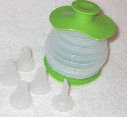 Tupperware Squeeze It Cake Decorator