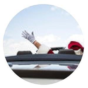 alfombrilla de ratón Santa con los brazos levantados en el convertible contra el cielo - ronda - 20cm
