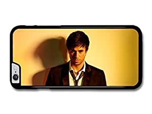JD World ? Enrique Iglesias Starg at Camera with Smart Outfit case for iPhone 4s