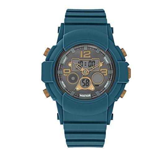 Reloj analógico-digital para hombres de WatxandCo. Con correa de silicona deportiva azul oscuro. Caja con bisel verde con detalles en oro viejo. 49mm.