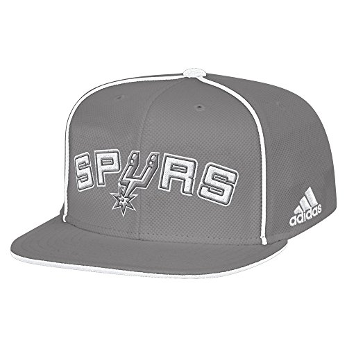 NBA San Antonio Spurs Men's Fanwear Team Flat Brim Snapback Cap, One Size, Grey