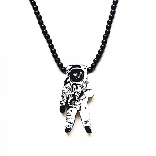 Grenf Fashion Retro Little Fresh Wooden Astronaut Stand Necklace Wooden Astronaut planet Beaded Necklace Pendant - Astronaut Stands