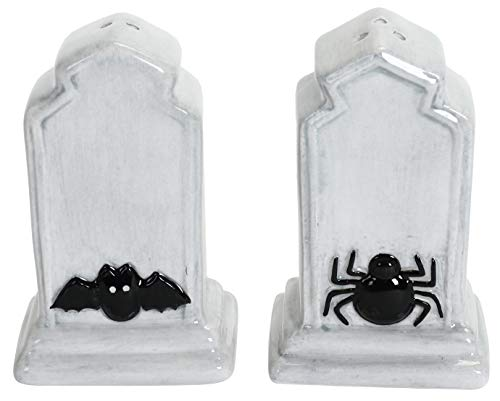 Tombstones With Spider and Bat Halloween Salt and Pepper Shakers Set ()