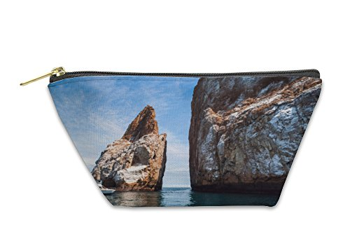 Gear New Accessory Zipper Pouch, Cliff Kicker Rock The Icon Of Divers The Most Popular Dive Galapagos, Large, 5595985GN - Kicker Gear Bag