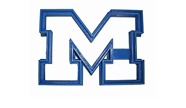 UNIVERSITY OF MICHIGAN WOLVERINES SPORTS ATHLETICS LOGO SPECIAL OCCASION FONDANT STAMP CUTTER OR CUPCAKE TOPPER SIZE 1.75