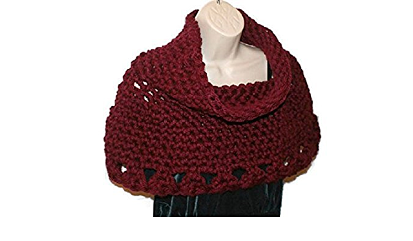 Self-crocheted women/'s poncho made of warm wool