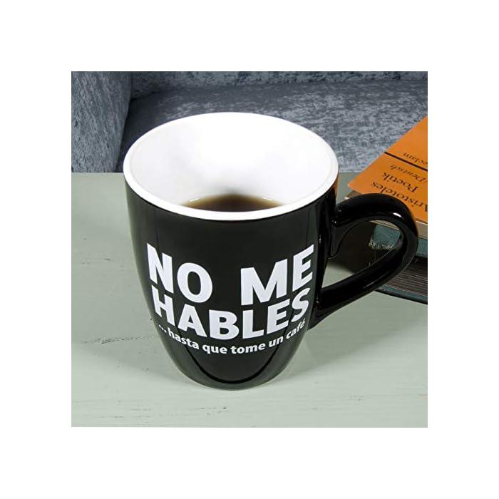 4143IzPf3vL Taza con mensaje original para adictos al café. Es un regalo original perfecto para tu pareja, tus amigos, tu padre, tu madre, tu jefe... Cerámica de excelente calidad.