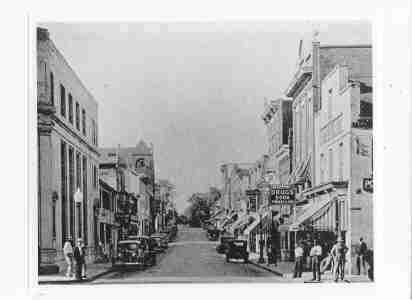 Photo of Downtown Leesburg Virginia - Corner Leesburg