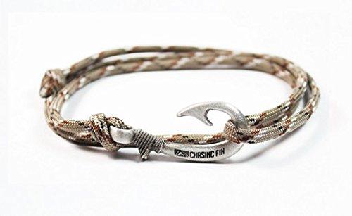 Chasing Fin Adjustable Bracelet 550 Military Paracord with Fish Hook Pendant, Desert Camo (Camo Paracord Bracelet)
