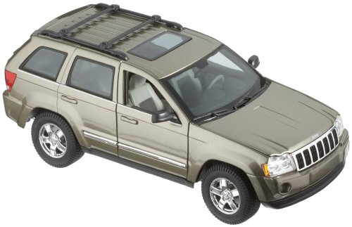 Green 2005 Jeep Grand Cherokee 1:18 Scale Die Cast Car