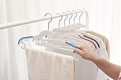 Space-Saving Clothes Hangers 360/° Swivel Hook Non-Slip Hanger Black Coat Hanger 10 Pack Heavy Duty Plastic Hangers with Non-Slip Design