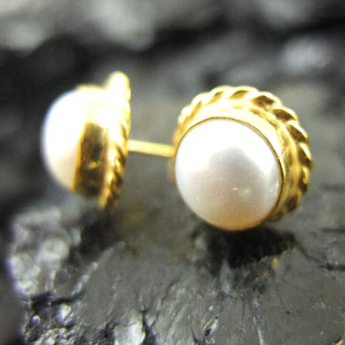 Ancient Design Jewelry Handmade Designer Fresh Water Pearl Stud Earring 22K Gold over Sterling Silver ()