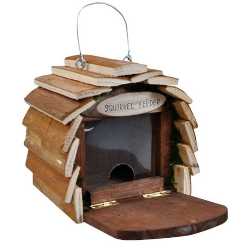 SQUIRREL HOTEL. GARDEN FEEDING STATION. 16.5cm x 25.5cm x 16.5cm. READY MADE. Kingfisher HOTEL4