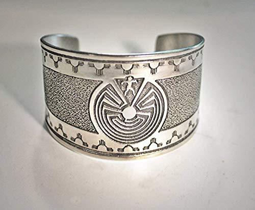 Native American Spirit bracelet, Man in the Maze Labyrinthe cuff bracelet, native ()