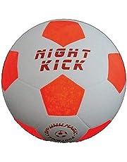 Lichtvoetbal Night Kick het origineel, al 7 jaar bewezen - duizenden enthousiaste klanten topkwaliteit en Mega Fun voor de beste prijs. Het bijzondere voetbalcadeau voor jong en oud