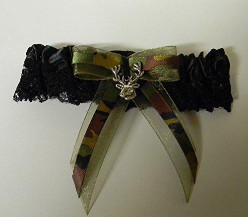 Wedding party ceremony reception Camo garter bow ribbon deer hunter (Camo Garter)