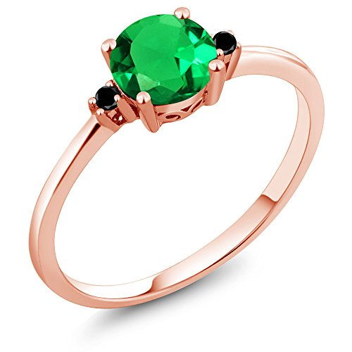 Gem Stone King 10K Rose Gold Engagement Solitaire Ring set with 0.80 Ct Round Green Simulated Emerald and Black Diamonds (Size 7)